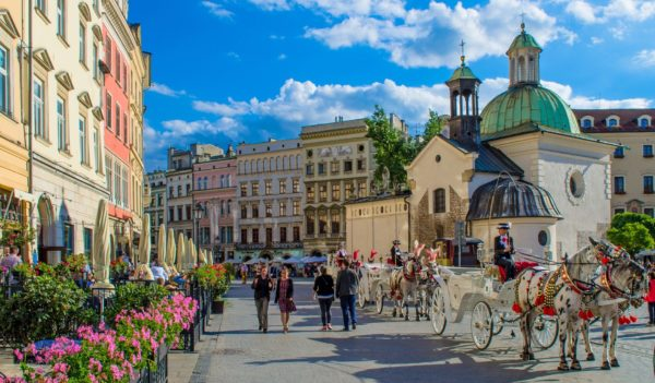 2 Day Trip From Warsaw: The Beauty And The Sorrow 2 Day Trip From Warsaw 600x351