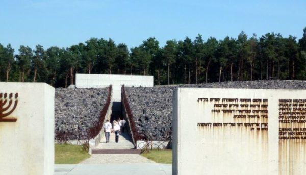 Belzec Tour Belzec Majdanek Tour 2 600x343
