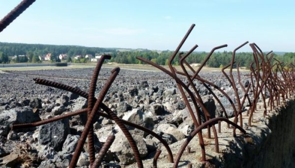 4 Day Trip From Warsaw: Death Camps in Poland Belzec Majdanek Tour 600x343