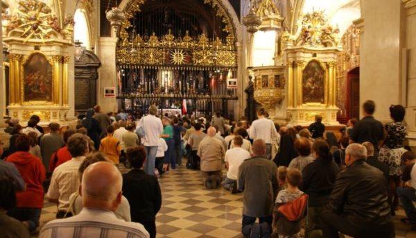 4 Day Trip From Warsaw: Catholic Pilgrimage to Poland Catholic Pilgrimage 600x343