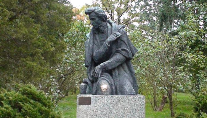 Zelazowa Wola Tour - The Birthplace of Chopin Chopin Monument