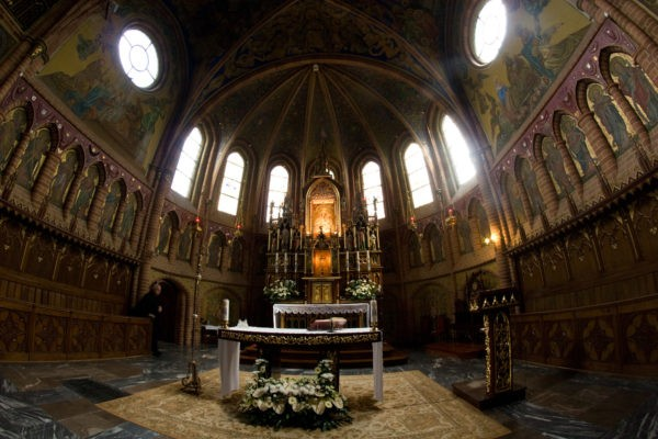 2 Day Trip From Warsaw:  The Traces of John Paul II Gietrzwald Basilica 600x400