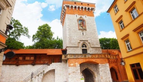 2 Day Trip From Warsaw: Highlights Of Southern Poland Krakow 3 600x343