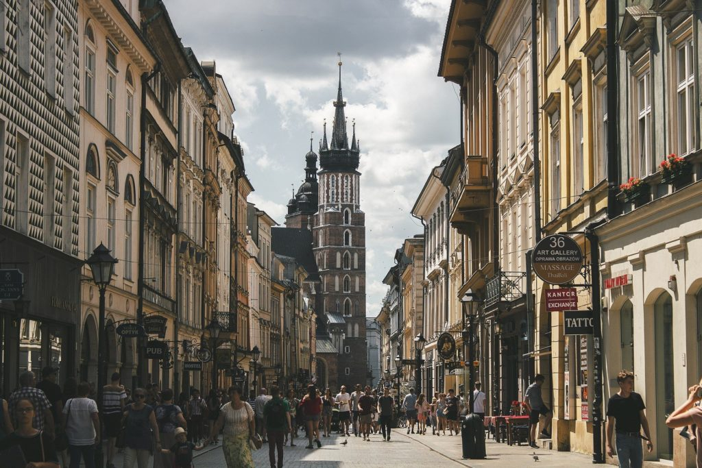 3 Day Trip From Warsaw: Highlights Of Poland Krakow 4 1024x683