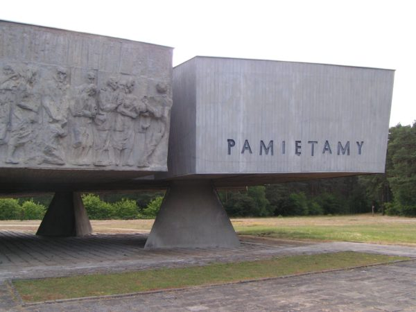 4 Day Trip From Warsaw: Death Camps in Poland OneDay Kulmhof Monument 600x450