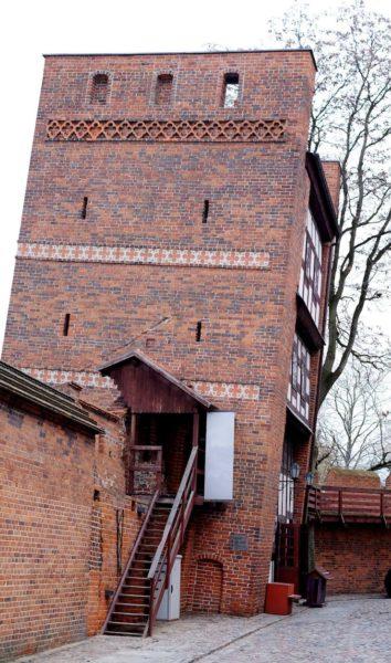 Torun Tour - The City of Copernicus. OneDay The Leaning Tower Torun 354x600