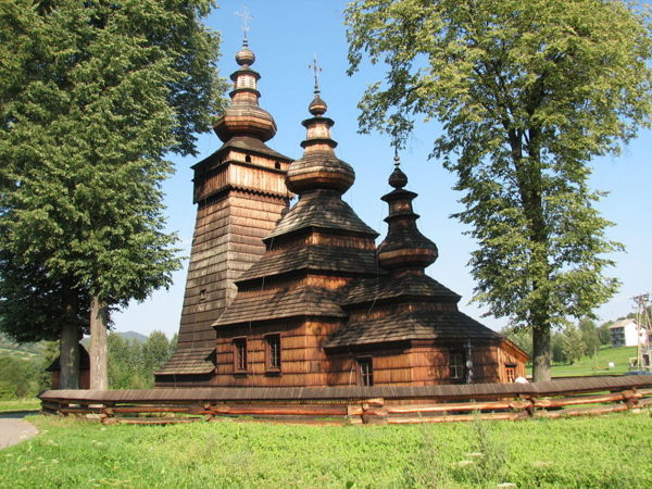 7 Day Trip From Warsaw: UNESCO World Heritage Sites in Poland Wooden Churches 600x450